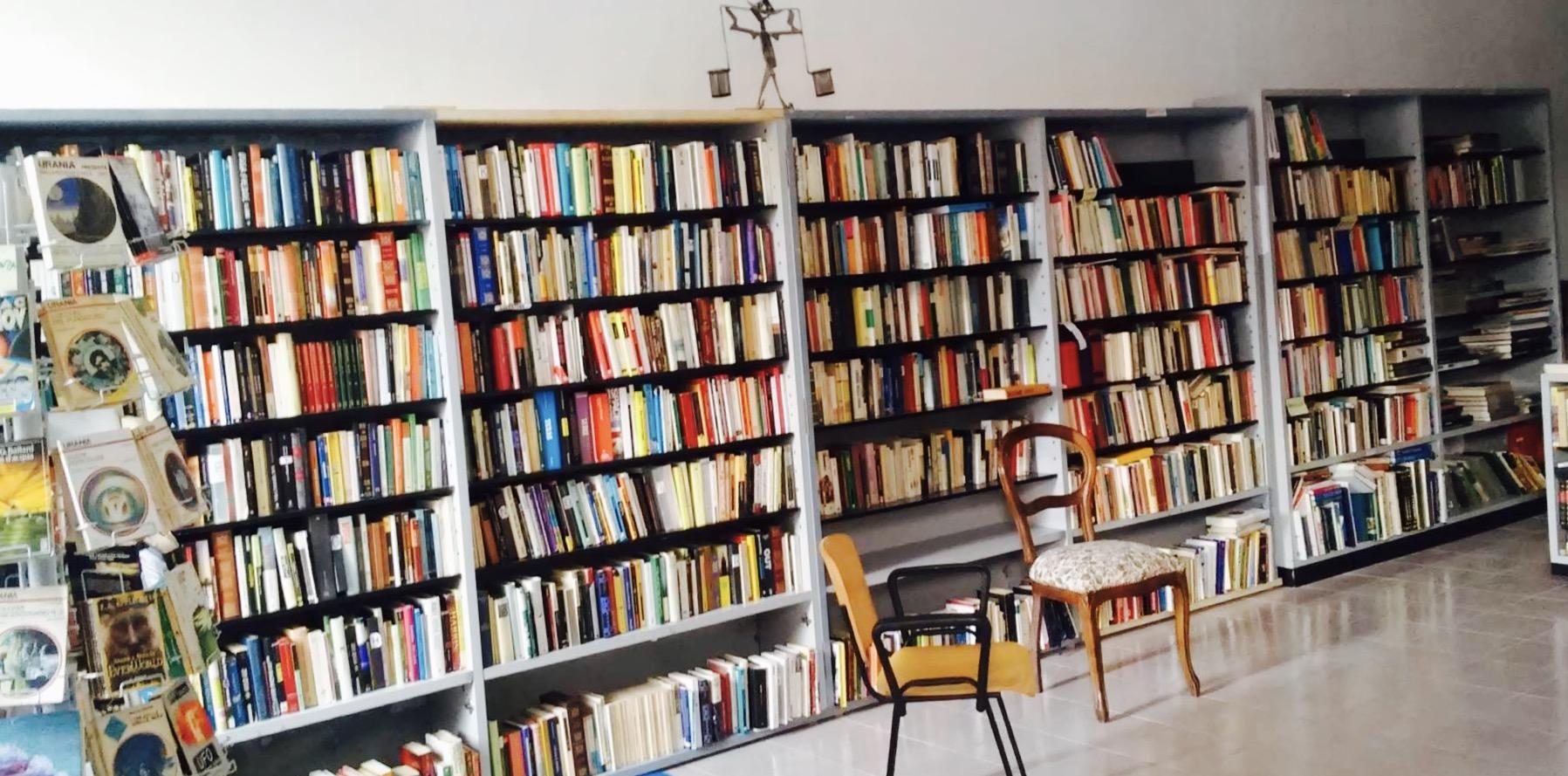 Come Allestire Una Libreria a fivizzano e massa le prime due librerie solidali in italia
